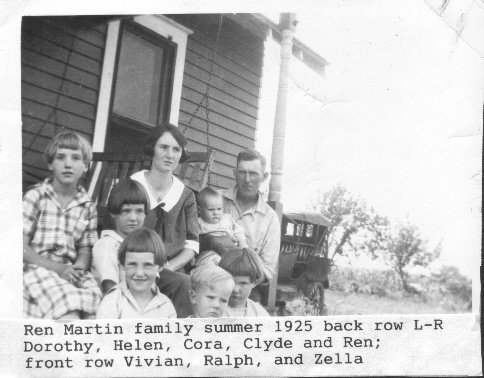 Here's the photo of the Ren Martin family in 1925. Gail Lee Martin typed the identifying information below the picture.