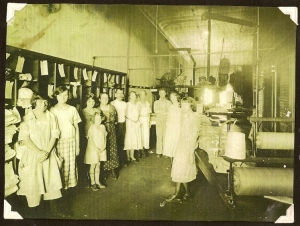 Aaron & Carrie owned and ran a laundry business in Neodesha, KS - photo taken abt 1912