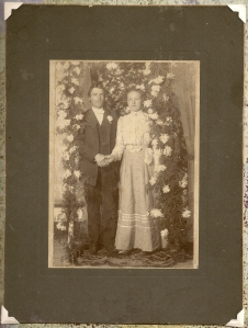 Lester & Lou Pearl wedding photo - 1901