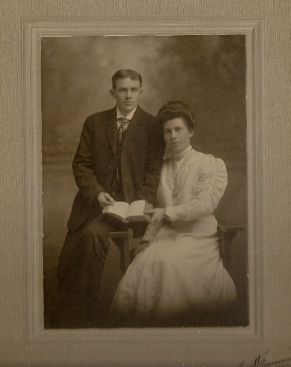 Fred and Blanche Vining Wedding photo2-1910