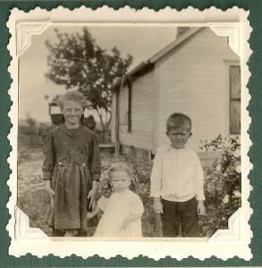 Bernice, Lorene and James ca. 1918 or 1919