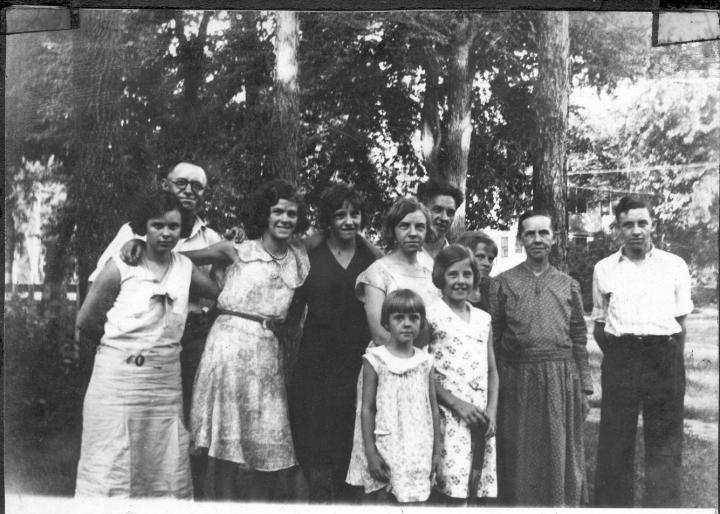 1930s McGhee family gathering.