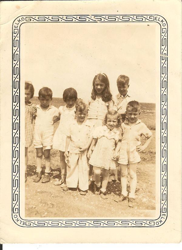A photo labeled Neita Cleo, Treva, Sam, Francis and Frankie.