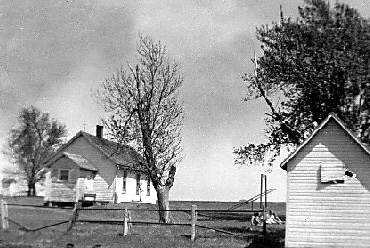 Prairie_Belle_No__102__April__1943__roxio