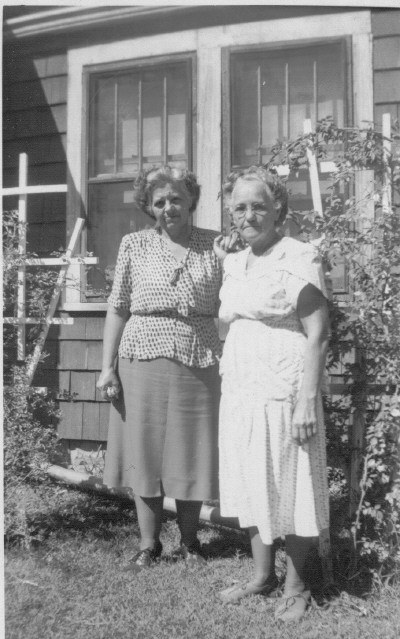 carol - my mother Ruth, with Aunt Lucy at Lucy's house.