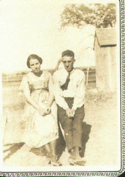 Helen_Newton_Morris_with_Jesse_McGhee_early_1920_s_Morgan_Texas