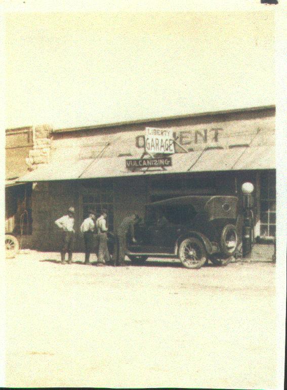 Liberty_Garage_Morgan_Texas_McGhee_and_Newton_Props.
