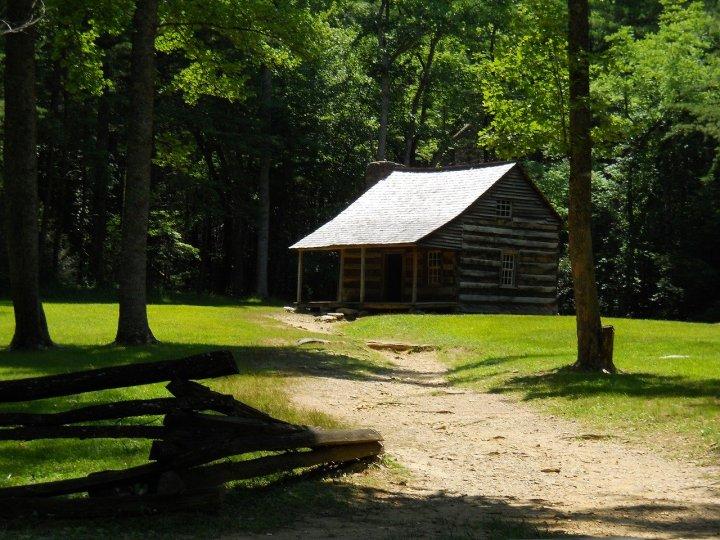 log-cabin-maybe TN pixabay